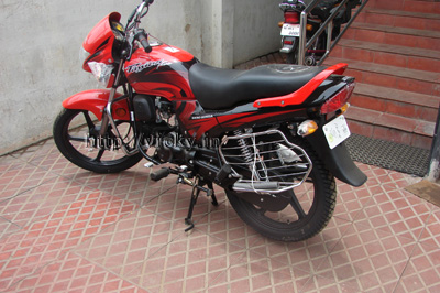 hero-honda-passion-plus-black-alloy-wheels.jpg