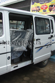 tata winger passenger door open