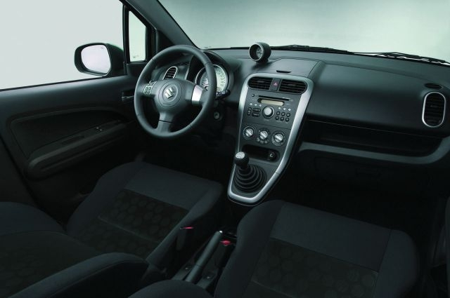 maruti-suzuki-small-car-2008-splash-india-interiors.jpg