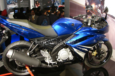 yamaha_yzf_r15_side_view.JPG