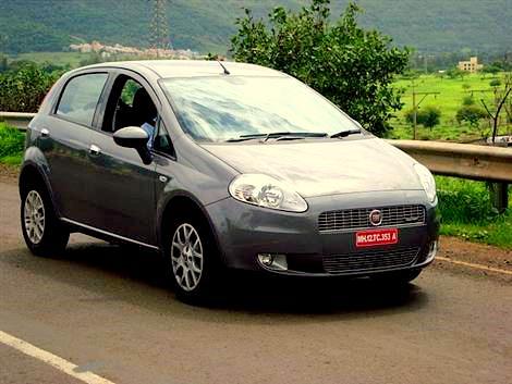 Fiat Grande Punto 90HP : Test Drive and Review - Car and Bike Blog on fiat stilo, fiat barchetta, fiat seicento, fiat bravo, fiat 500 abarth, fiat x1/9, fiat 500 turbo, fiat ritmo, fiat linea, fiat panda, fiat multipla, fiat 500l, fiat cinquecento, fiat doblo, fiat marea, fiat cars, fiat coupe, fiat spider,