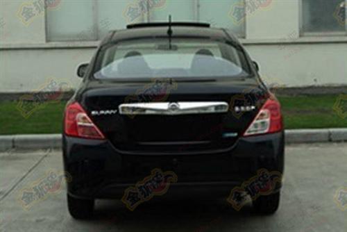 Sunny facelift black-rear spy photo