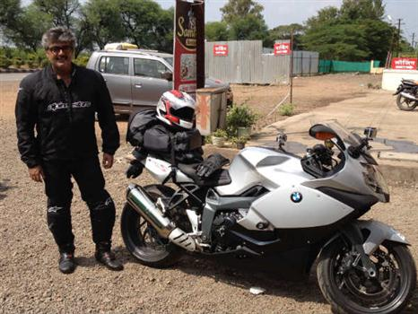 actor-ajith-bike-01