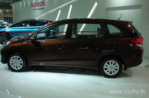 Honda-Mobilio-04