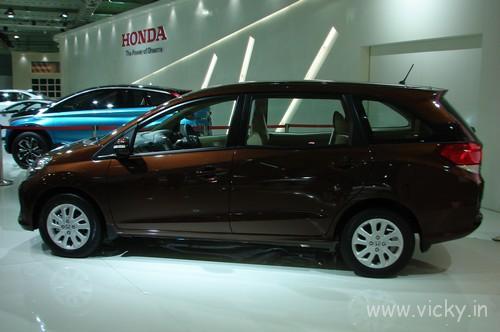 Honda-Mobilio-05