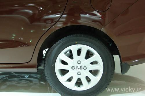 Honda-Mobilio-06