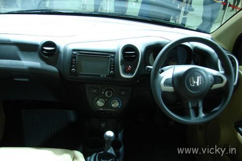 Honda-Mobilio-09