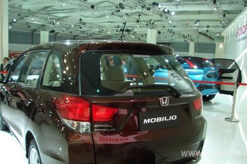 Honda-Mobilio-13
