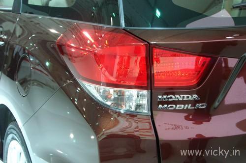 Honda-Mobilio-15
