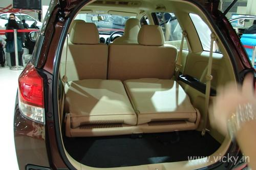 Honda-Mobilio-16