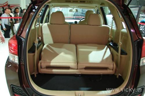 Honda-Mobilio-17
