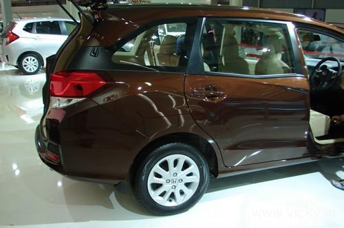 Honda-Mobilio-19