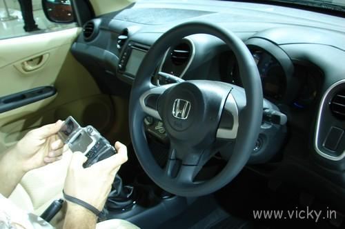 Honda-Mobilio-20