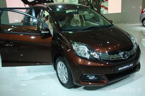 Honda-Mobilio-22