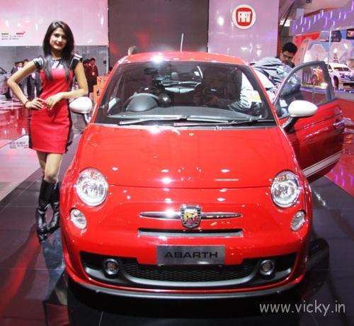 Fiat Showcases Avventura, Abarth 500 And New Linea For