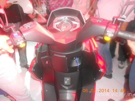 hero-zir-150cc-scooter-03