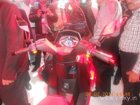 hero-zir-150cc-scooter-06