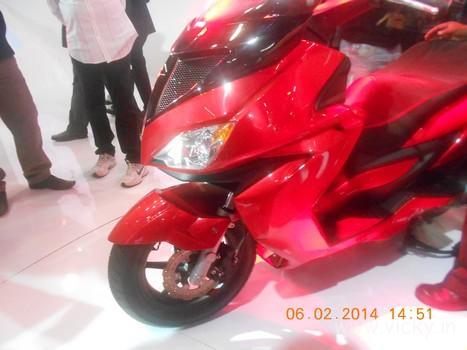 hero-zir-150cc-scooter-12